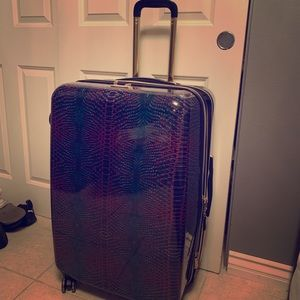 Suite case never used